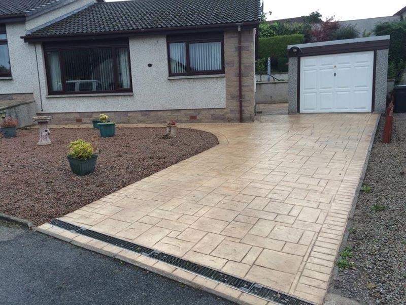 pattern imprinted driveway